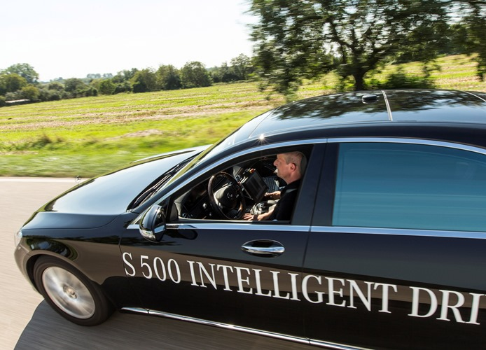 Mercedes-Benz S 500 INTELLIGENT DRIVE